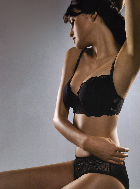 Scarlett Hybrid Bra in Plastic Surgery